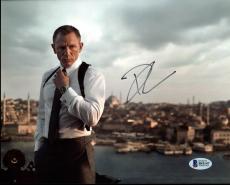 Daniel Craig James Bond 007 Signed 8X10 Photo Autographed BAS #B41147