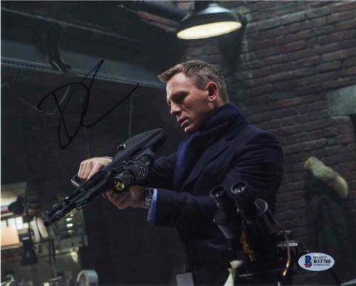 Daniel Craig James Bond Autographed Signed 8x10 Photo Certified Beckett BAS COA