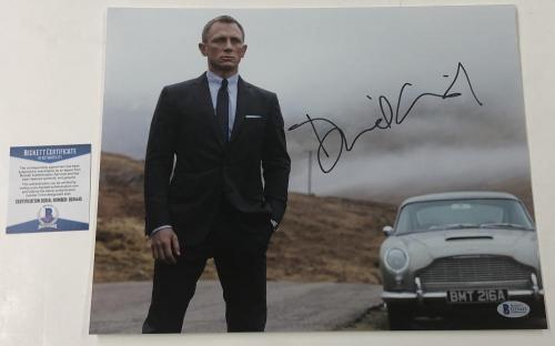Daniel Craig Signed 11x14 Photo James Bond 007 Authentic Autograph Beckett Coa A