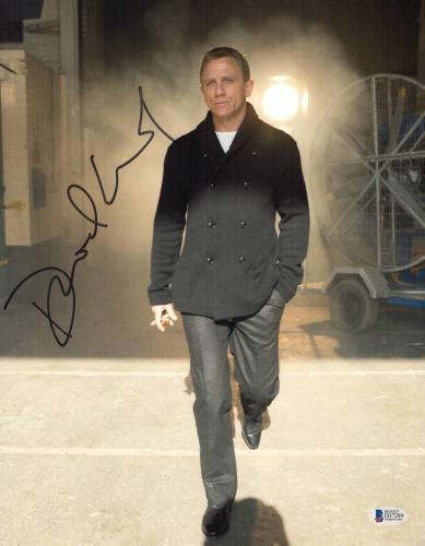 Daniel Craig Signed Auto James Bond 007 11x14 Bas Beckett Coa  36