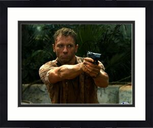 "DANIEL CRAIG Signed Autographed ""JAMES BOND 007"" 11x14 Photo Beckett BAS #D29460"