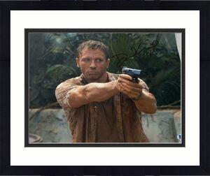 DANIEL CRAIG SIGNED FULL NAME AUTOGRAPH CLASSIC JAMES BOND 11x14 PHOTO BECKETT B
