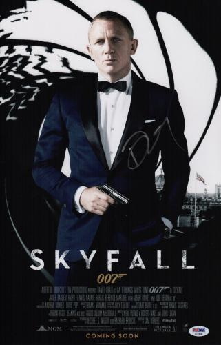 Daniel Craig Signed Skyfall 11x17 Movie Poster Psa Coa Ad74546