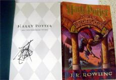 Daniel Radcliffe autographed Harry Potter Book The Sorcerers Stone (Hard Cover SC)