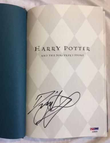Daniel Radcliffe Hand Signed Harry Potter & Sorcerer's Stone HC Book PSA/DNA COA