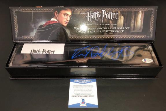 Daniel Radcliffe Harry Potter Signed Auto Noble Collection Illuminating Wand Bas