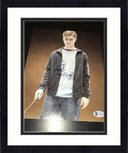 DANIEL RADCLIFFE SIGNED AUTOGRAPH 8x10 PHOTO HARRY POTTER BECKETT BAS AUTO NY D