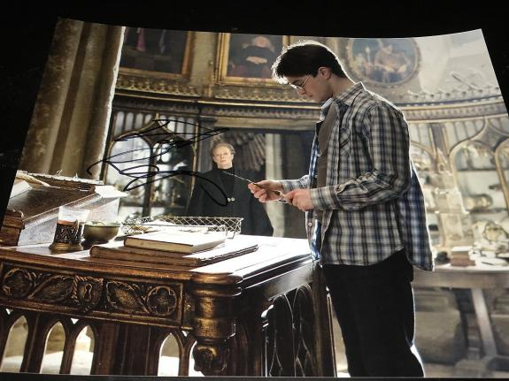 DANIEL RADCLIFFE SIGNED AUTOGRAPH 8x10 PHOTO HARRY POTTER IN PERSON COA AUTO H