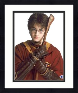 Daniel Radcliffe Signed Autographed 8x10 Harry Potter Nimbus 2000 Photo Beckett