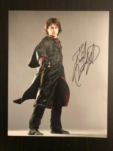 Daniel Radcliffe Signed Autographed 8x10 Photo - Harry Potter, Wand, Hogwarts 2