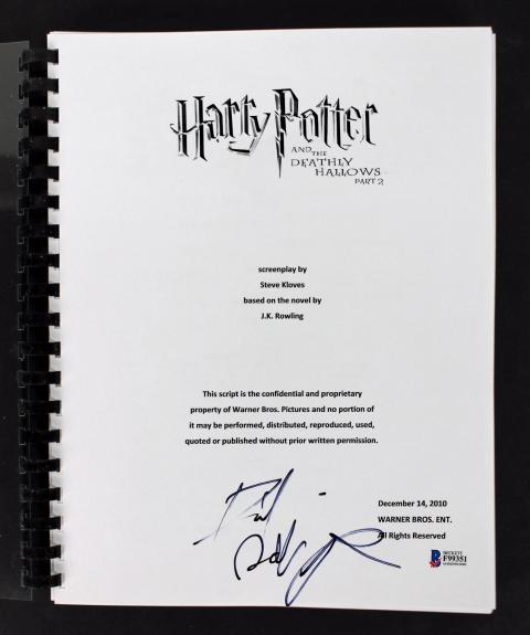 Daniel Radcliffe Signed Harry Potter Deathly Hollows 2 Movie Script BAS #F99351