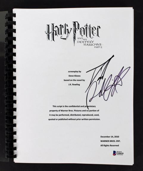 Daniel Radcliffe Signed Harry Potter Deathly Hollows 2 Movie Script BAS #G6616