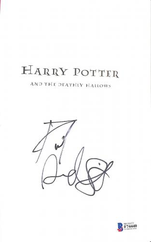 Daniel Radcliffe Signed Harry Potter & The Deathly Hallows Book Beckett Bas 2