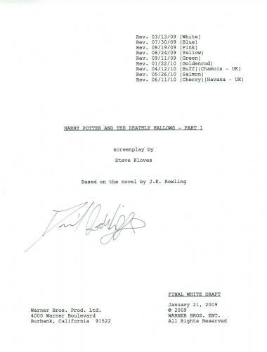 Daniel Radcliffe Signed HARRY POTTER & THE DEATHLY HALLOWS PART 1 Script COA