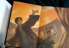 Daniel Radcliffe Signed New Deluxe Art Edition Harry Potter Deathly Hallows Book