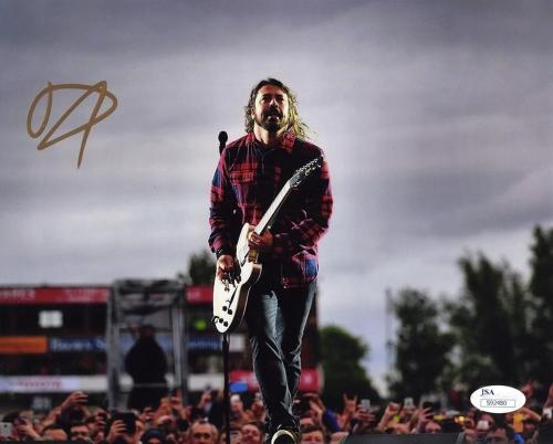 Dave Grohl Foo Fighters Nirvana Autographed Signed 8x10 Photo Authentic JSA COA