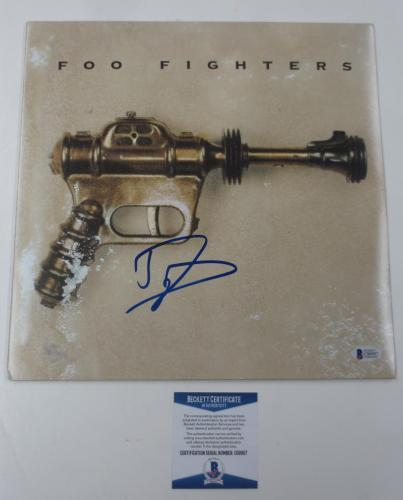 Dave Grohl Foo Fighters Nirvana Signed Autograph Debut Album Beckett Coa