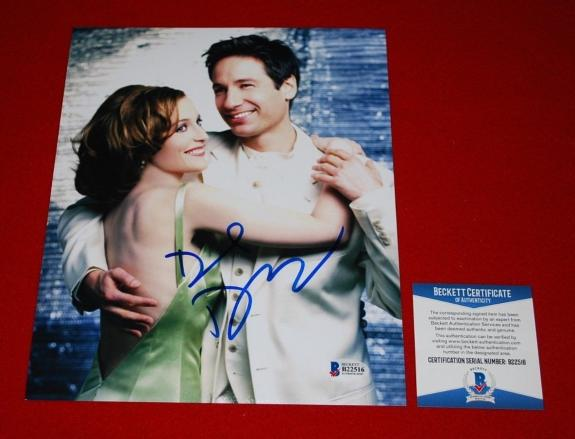 DAVID DUCHOVNY X files fox mulder signed 8X10 beckett BAS