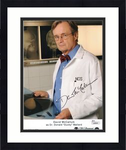 DAVID MCCALLUM HAND SIGNED 8x10 COLOR  PHOTO        DUCKY FROM NCIS       JSA