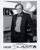 DAVID MCCALLUM HAND SIGNED 8x10 PHOTO+COA       GREAT POSE   DUCKY FROM NCIS