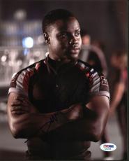 "Dayo Okeniyi The Hunger Games ""Thresh"" Signed 8X10 Photo PSA #AA83798"