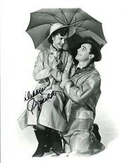 DEBBIE REYNOLDS HAND SIGNED 8x10 PHOTO+COA       CLASSIC POSE WITH GENE KELLY