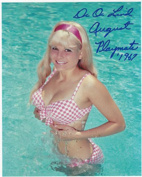 DEDE LIND - GLAMOUR MODEL - PLAYMATE of the MONTH for AUGUST 1967 - Signed 8x10 Color Photo