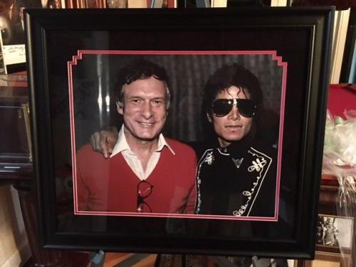 Deluxe Framed, Hugh Hefner / Michael Jackson 16x20 Photo