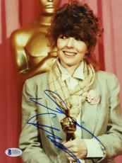 "Diane Keaton Autographed 8""x 10"" Holding Oscar Award Photograph - Beckett COA"