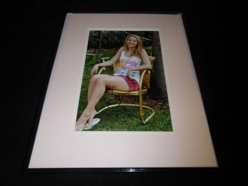 Dianna Agron Signed Framed 11x14 Photo Glee Quinn