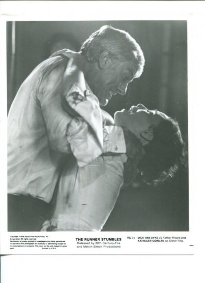 Dick Van Dyke Kathleen Quinlan The Runner Stumbles Press Still Movie Photo