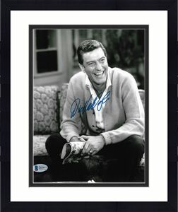 DICK VAN DYKE Signed 8x10 Photo AUTOGRAPH from Dick Van Dyke Show with BAS COA