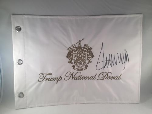 Donald Trump Signed Trump National Doral Flag Pin Flag Psa Dna Loa