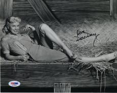 DORIS DAY HAND SIGNED 8x10 PHOTO    AWESOME+RARE     GORGEOUS YOUNG POSE     PSA