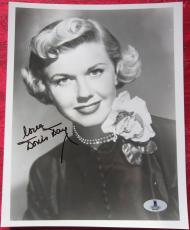 Doris Day signed 8x10 B&W photo BAS Beckett Authentication