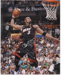 Dwyane Wade Miami Heat Autographed 16'' x 20'' Dunk Black Uniform Photograph - Mounted Memories