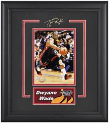 "Miami Heat Dwyane Wade 6"" x 8"" Framed Photo with Nameplate - Mounted Memories"