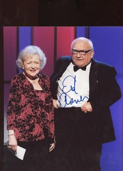 Ed  Asner  Award  Winning  Actor   Signed 8x10 Photo