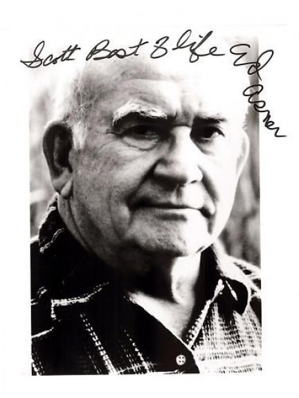 Ed Asner-signed photo-pose 17