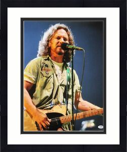Eddie Vedder Pearl Jam Signed 16X20 Photo Autographed PSA/DNA #T08131