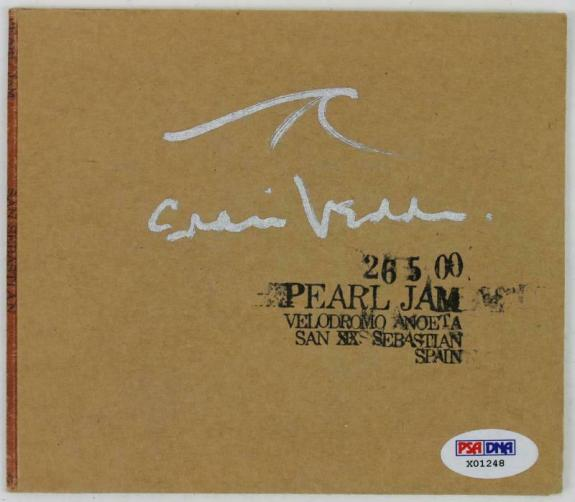 Eddie Vedder Signed Pearl Jam 26 5 00 Velodromo Anoeta Cd Cover PSA/DNA #X01248