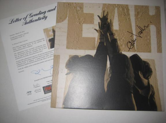 EDDIE VEDDER Signed TEN Album w/ PSA COA GRADED 10