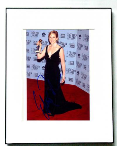 Edie Falco Signed Golden Globe Award Photo Sopranos PSA/DNA AFTAL
