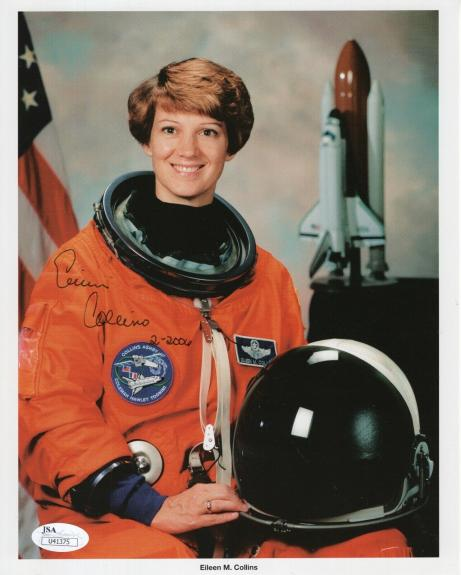 EILEEN COLLINS HAND SIGNED 8x10 COLOR PHOTO      FEMALE NASA ASTRONAUT      JSA
