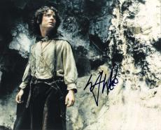 "ELIJAH WOOD as FRODO BAGGINS in ""THE LORD of the RINGS"" Signed 10x8 Color Photo"