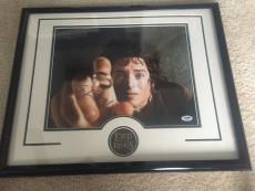 ELIJAH WOOD signed 11x14 Photo Framed LORD OF THE RINGS Frodo Baggins PSA DNA