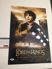 ELIJAH WOOD signed 12x18 Movie Poster LORD OF THE RINGS The Two Towers PSA