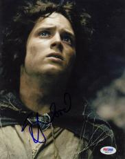 Elijah Wood SIGNED 8x10 Photo Frodo Lord Of The Rings PSA/DNA AUTOGRAPHED