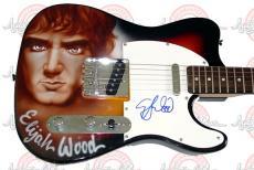 ELIJAH WOOD Signed LORD OF THE RINGS Guitar PSA/DNA    AFTAL