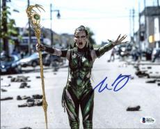 Elizabeth Banks Power Rangers Signed 8X10 Photo BAS #B81296